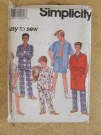 Patron Pyjama Robe De Chambre Pour Garçons - Simplicity Réf 8794 - Patrons
