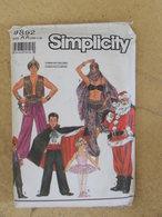 Patron Costume Pour Adulte Garçonnet Et Fillette - Simplicity N°9892 - Patrons