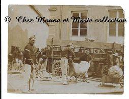 MANOEUVRES 1906 - LES DISTRIBUTIONS - PHOTO MILITAIRE 10.5 X 8 CM - Guerre, Militaire