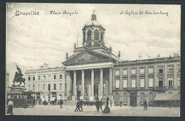 +++ CPA - BRUSSEL - BRUXELLES - Place Royale Et Eglise St Goudenberg - Tram  // - Marktpleinen, Pleinen