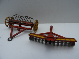 Dinky-Toys : Lot De 2 Machines  Made In England - Dinky