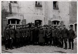! Foto 11,8 X 8,4 Cm, 2. Weltkrieg 1939, Militaria, Berus Saarland, 3.Reich, Frontbesuch Von Gauleiter Kauffmann - Weltkrieg 1939-45