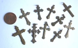 CR 03 - LOTTO DI 10 CROCIFISSI PER CORONE ROSARIO - Religión & Esoterismo