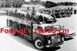 Reproduction D'une Photographie D'un Camion Plateaux Alfa Romeo 900 Transportant Des Voitures De Courses - Reproductions