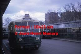 Reproduction D'une Photographie D'un Bus Chausson Ligne 206 Avec Publicité Charrier à Paris En 1964 - Reproductions