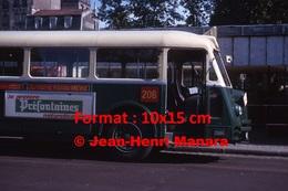 Reproduction D'une Photographie De L'avant D'un Bus Chausson Avec Publicité Préfontaines à Paris Vincennes En 1964 - Reproductions