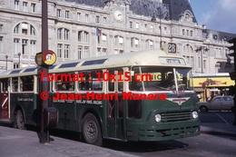 Reproduction D'une Photographie D'un Bus Chausson Ligne 28 Porte D'Orléans à Son Arrêt à Paris En 1964 - Reproductions
