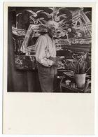 Peintre --Georges Braque Dans Son Atelier En 1949 --- - Célébrités