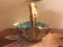 Carinissimo Cestino Porta Cioccolatini In Ceramica Deruta Azzurro Bianco E Oro Decorato Con Fiori - Deruta (ITA)