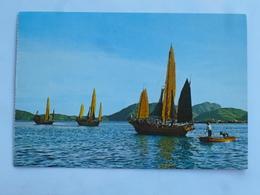 C.P.A. HONG KONG : The Fishing Junk, Stamps 1977 - Chine (Hong Kong)
