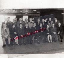 19- BRIVE - L' UNION REPUBLICAINE POUR L' EXPANSION CONDUITE PAR M. CHARBONNEL MAIRE SORTANT-PHOTO MARTINEZ - Personnes Identifiées