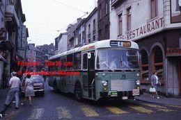 Reproduction D'une Photographie D'un Bus Ligne 4 Avec Publicités Miele, Ford Et Aspro à Charleroi En Belgique En 1973 - Reproductions