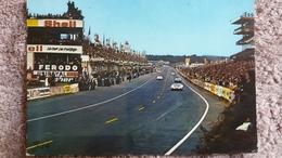 CPSM LE MANS CIRCUIT DES 24 HEURES VUE D ENSEMBLE DES STANDS DE RAVITAILLEMENT ET DES TRIBUNES 1968 - Le Mans