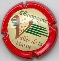 CAPSULE-CHAMPAGNE VALLEE DE LA MARNE N°13 Contour Rouge - Vallée De La Marne