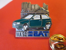 PIN'S    SEAT   IAA 93 - Badges