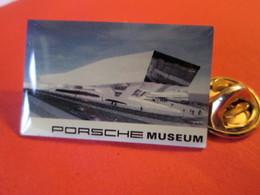 PIN'S    PORSCHE   MUSEUM - Porsche