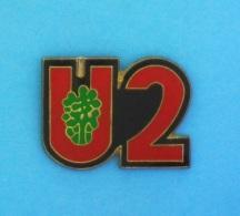 1 PIN'S //   ** U2 / GROUPE DE ROCK IRLANDAIS ** - Celebrities