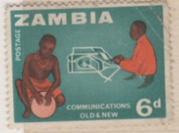 1964 , OLD & NEW COMMUNICATION SYSTEM USED  STAMP FROM ZAMBIA  / ARCHETYPE COMMUNICATION OF PRIMITIVES & MODERN SYSTEM - Telecom