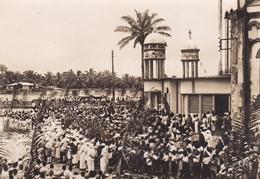 CAMEROUN DOUALA FETE RELIGIEUSE A LA CATHEDRALE BELLE CARTE RARE !!! - Cameroun