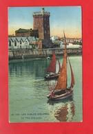 85 - Les Sables D'Olonne : L'usine à Sardines Et La Tour D'Arundel à La Chaume,  Cpa Animée Et écrite En 1928 - Sables D'Olonne