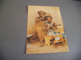 AFRIQUE EN COULEURS ...SCEANCE DE COIFFURE AU VILLAGE - Cartes Postales