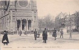 PARIS VIII° CPA  Place SAINT AUGUSTIN Animée Sortie EGLISE  STATUE De JEANNE D' ARC - District 08
