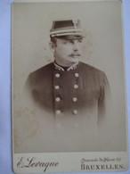 BELGIQUE - Grande Photographie Portrait  CDV  Militaire Belge - N° 37 Sur Col - Photo E. Levaque, Bruxelles 1893 - Photographs