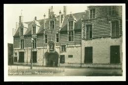 NEDERLAND ANSICHTKAART * BERGEN OP ZOOM * Markiezenhof   (3894a) - Bergen Op Zoom