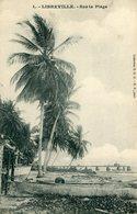 GABON LIBREVILLE - Sur La Plage Palmiers - Gabon