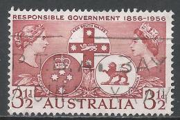Australia 1956. Scott #287 (U) Queens Victoria, Elizabeth II And Badges * - 1952-65 Elizabeth II : Ed. Pré-décimales