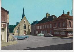 A798 /  LA  FERTE  LOUPIERE   /  Place De L'église  Auberge Du Grand Cerf / Voitures Anciennes , PANHARD , R8 , ARONDE - France