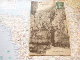 Massif De La Chartreuse Sortie De La Grotte Inétrieure Des Echelles - France