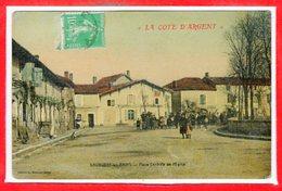 40 - SAUBUSSE Les BAINS -- Place Centrale De L'Eglise - Other Municipalities