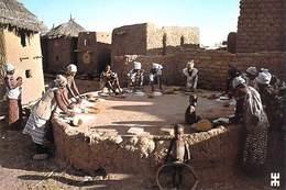 Afrique-BURKINA FASO En Pays MOSSI Près De OUAHIGOUYA Yatenga Meules En Mouvement  *PRIX FIXE - Burkina Faso