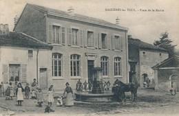 54) MAIZIERES-les-TOUL : Place De La Mairie (animée) - Toul