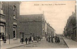 1 Oude Postkaart  MORTSEL    Van Dyckstraat   Fabriek ? Fabriekwerkers Uitg.  Bongartz  Winkel - Mortsel