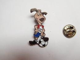Beau Pin's , Football , Coupe Du Monde USA 94 - Football
