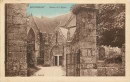 BOURBRIAC ENTREE DE L'EGLISE - France