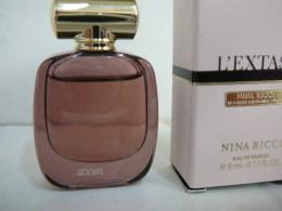 "NINA RICCI "" L' EXTASE""  MINI EDP  5 ML TRES BON ETAT   LIRE ET VOIR!! - Miniatures Femmes (avec Boite)"