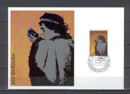 Maxi Card B42 Liechtenstein 1979 Youth Year Drinking Child - Francobolli