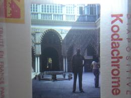 Ancienne Diapositive ESPAGNE Diapo Slide SPAIN Vintage Annees 60 - 70's Homme Cour - Diapositives (slides)