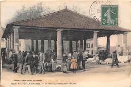 33-SAINTE-FOY-LA-GRANDE- LA HALLE, PLACE DES FRERES - France