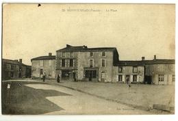MONTOURNAIS  (Vendée) La Place - France