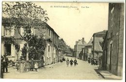 MONTOURNAIS  (Vendée) Une Rue - France