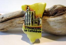 Fève Puzzle Brillante Plate - Strasbourg, La Cathédrale - Regions