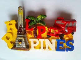 Rizal Shrine Red Jeepney - Tourisme