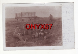 Carte Postale Photo Militaire Allemand Repas  Manoeuvres RUSSLAND-Russie-Russia-Russian-Guerre 14/18-Stempel Regiment 34 - Guerre 1914-18
