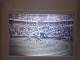 Ancienne Diapositive ESPAGNE Diapo Slide SPAIN Vintage Annees 70 CORRIDA ARENES 2 - Diapositives (slides)
