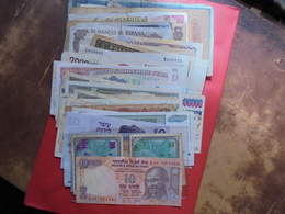 EUROPE-MONDE JOLI LOT 60 BILLETS LA PLUPARTS CIRCULES - Monnaies & Billets