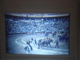 Ancienne Diapositive ESPAGNE Diapo Slide SPAIN Vintage Annees 70 CORRIDA ARENES 10 - Diapositives (slides)
